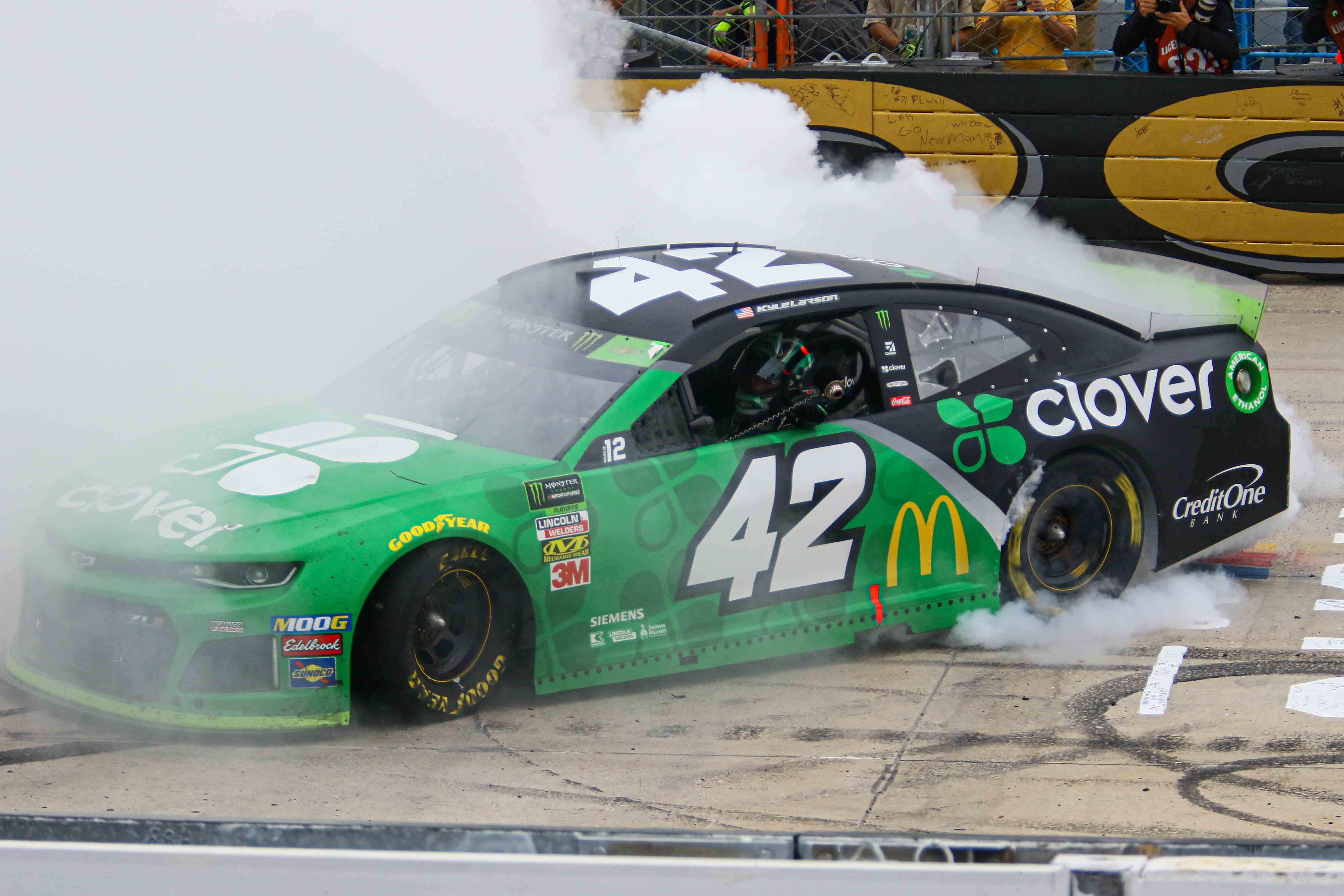 KYLE LARSON (42) of Chip Ganassi Racing wins the monster energy 400